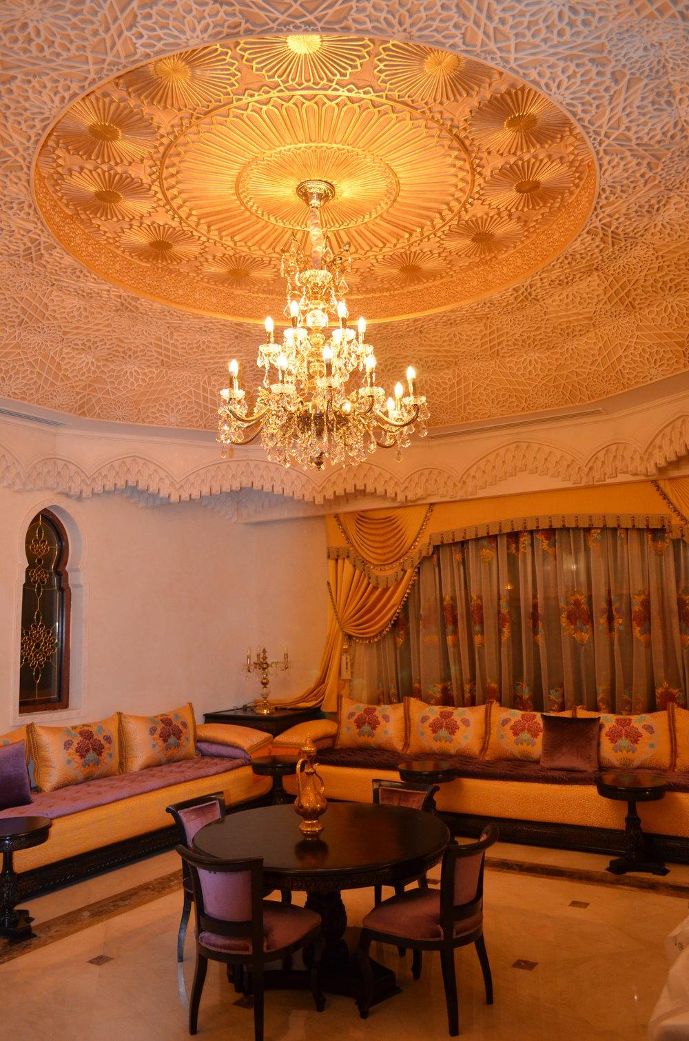 Wranovsky-Dubai-Lounge-3.JPG