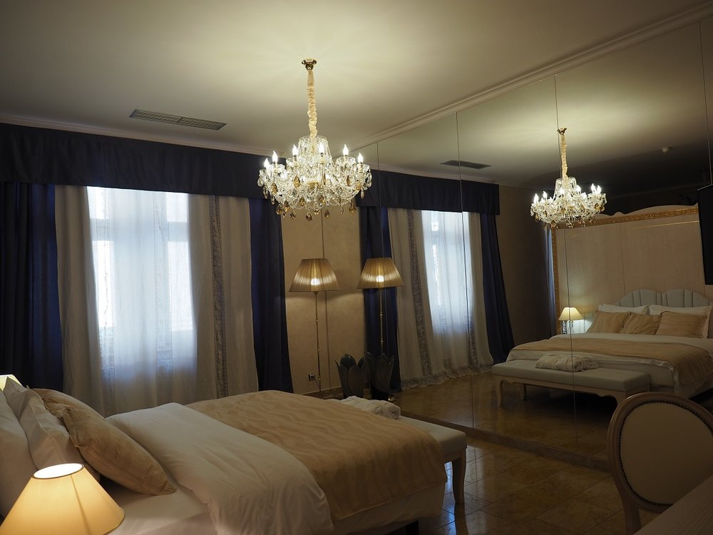 Wranovsky crystal, hotel Caruso  (4).jpg