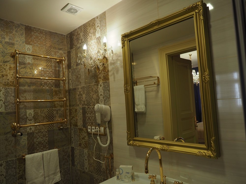 Wranovsky crystal, hotel Caruso  (5).jpg