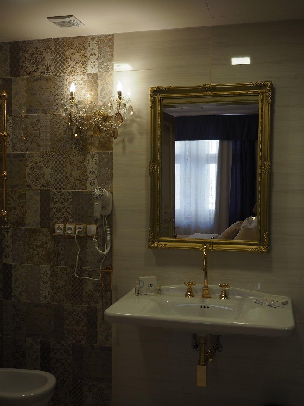 Wranovsky crystal, hotel Caruso  (6).jpg
