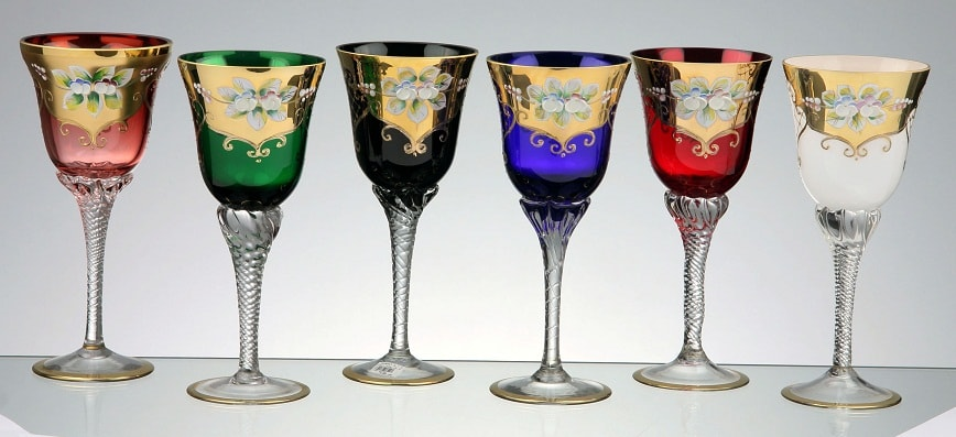 Hand decorated glass Mix colors, Set of 6 pieces Colors: pink, green, black, blue, red and opal Wine glass - capacity: 230 ml