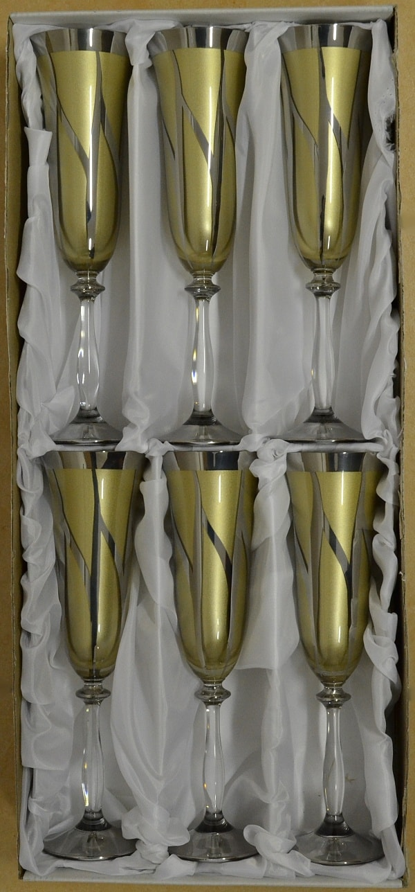 Decorative hundred glasses of champagne