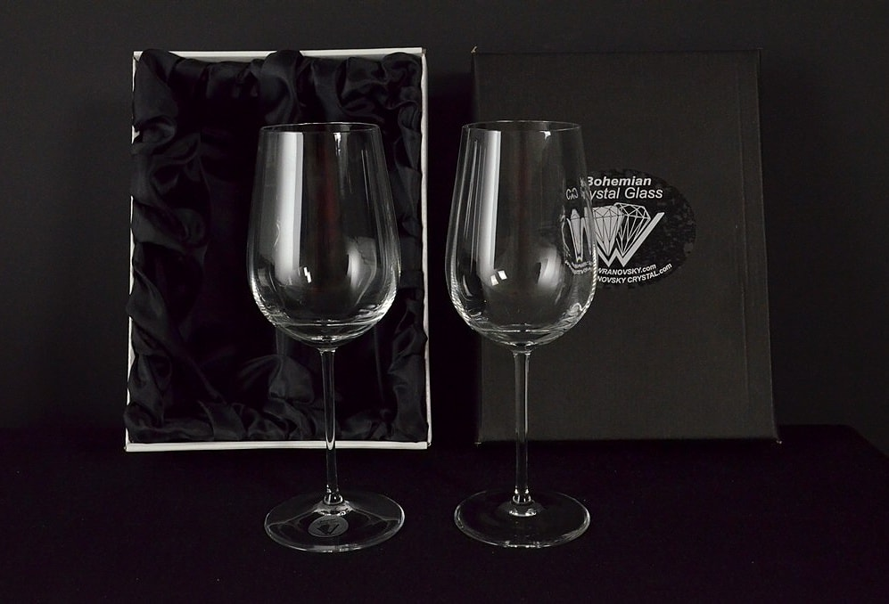 Decorative glass of white wine - 2 pieces
