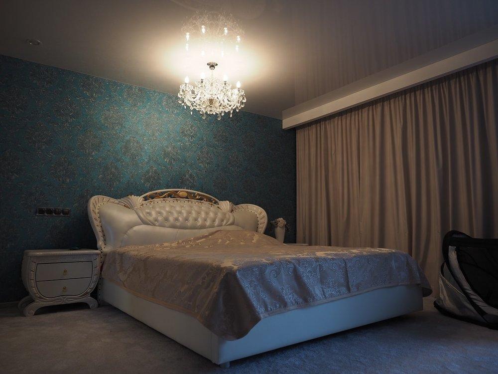wranovsky_crystal_chandeliers_modern_villa_4.JPG