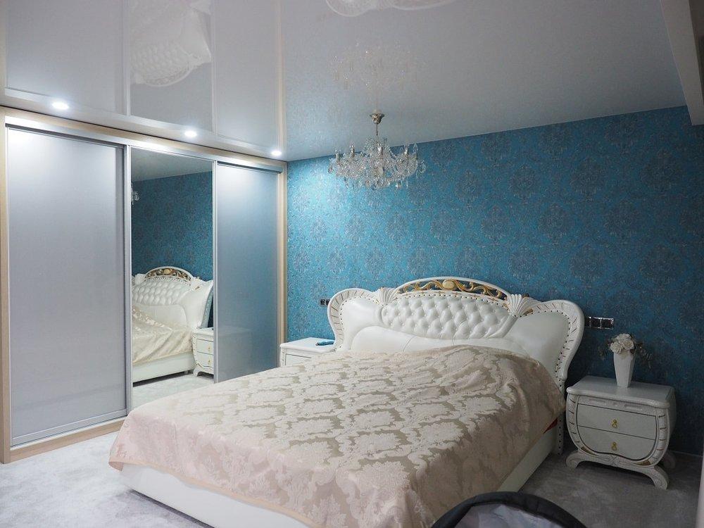 wranovsky_crystal_chandeliers_modern_villa_9.JPG