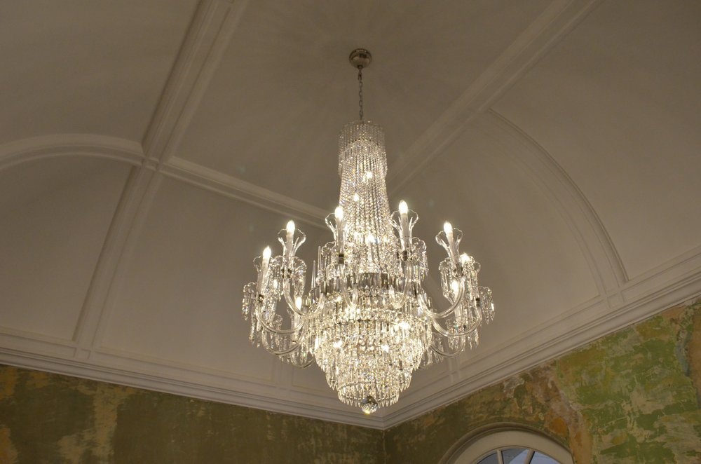 crystal-chandelier-old-sessions-house-london-10.JPG