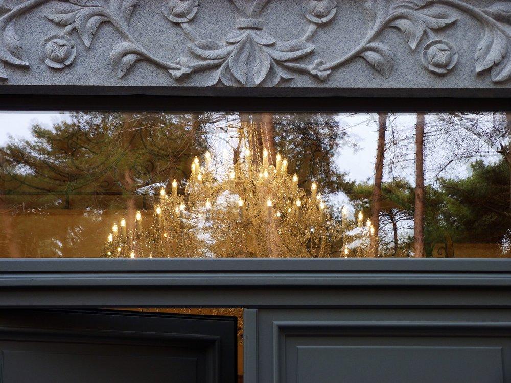 crystal-chandelier-belgium-entrance.jpg