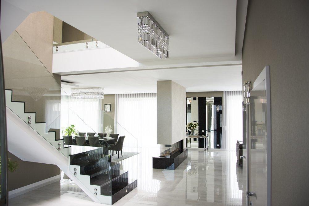 villa-prague-wranovsky-crystal-chandeliers-3.jpg