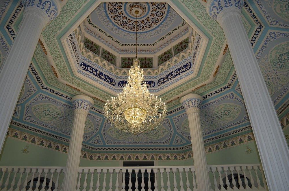 ricamente-decorado-chandelier-project.jpeg