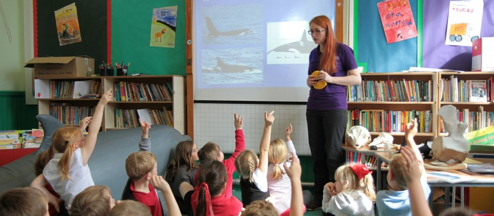 Siobhan enthusing the next generation of marine conservationists