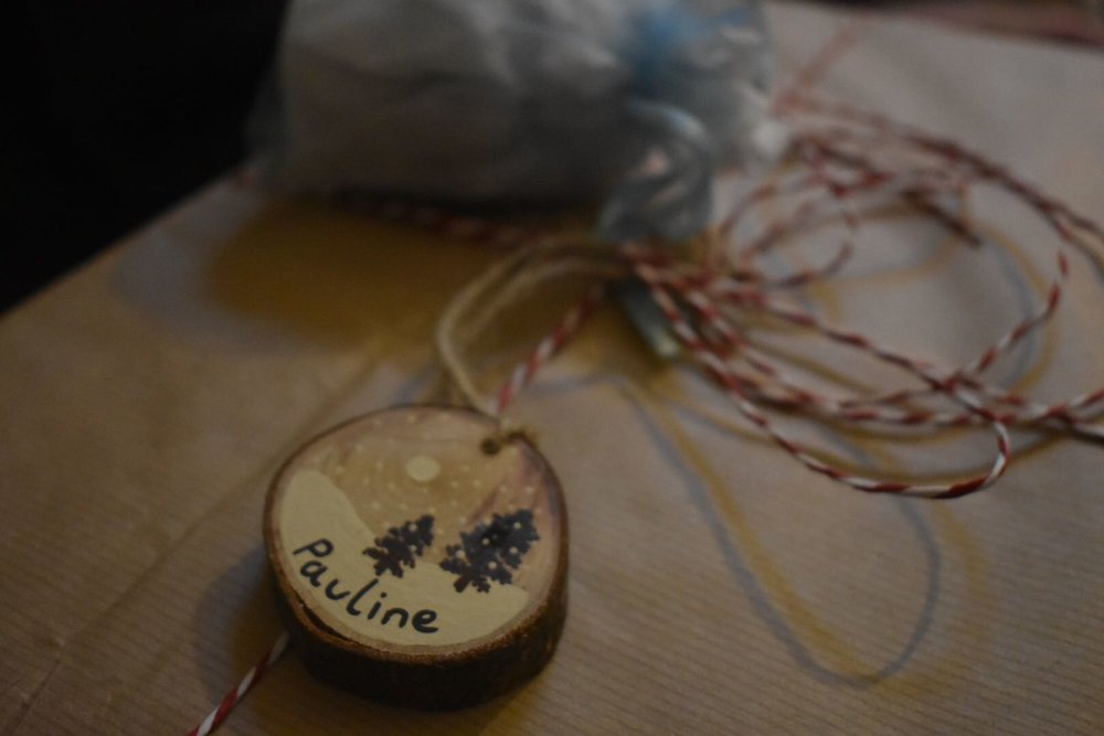 Check out this locally sourced handmade gift tag, as well as the brown paper wrapping - very stylish.
