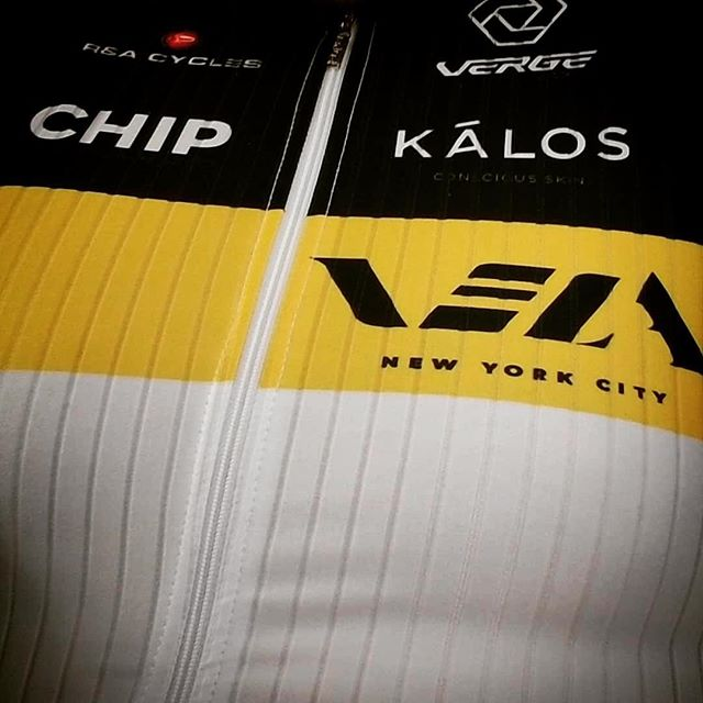 Vela Society wishes you a happy, healthy & safe year of cycling ahead! #velasociety #vergesport