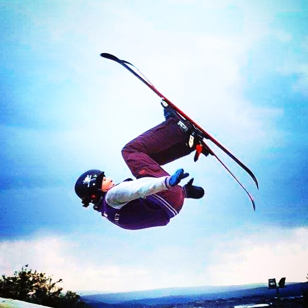 THEA FENWICK  is a 17-year old freestyle skier from England and started skiing at the age of 2. Since the age of 12, she has lived abroad in Italy, USA, and Austria to train in skiing. Her goal is to compete at the 2022 Winter Olympics in Beijing, after recovering from her ACL tear. She is passionate about fitness, and continues to train in the gym daily.