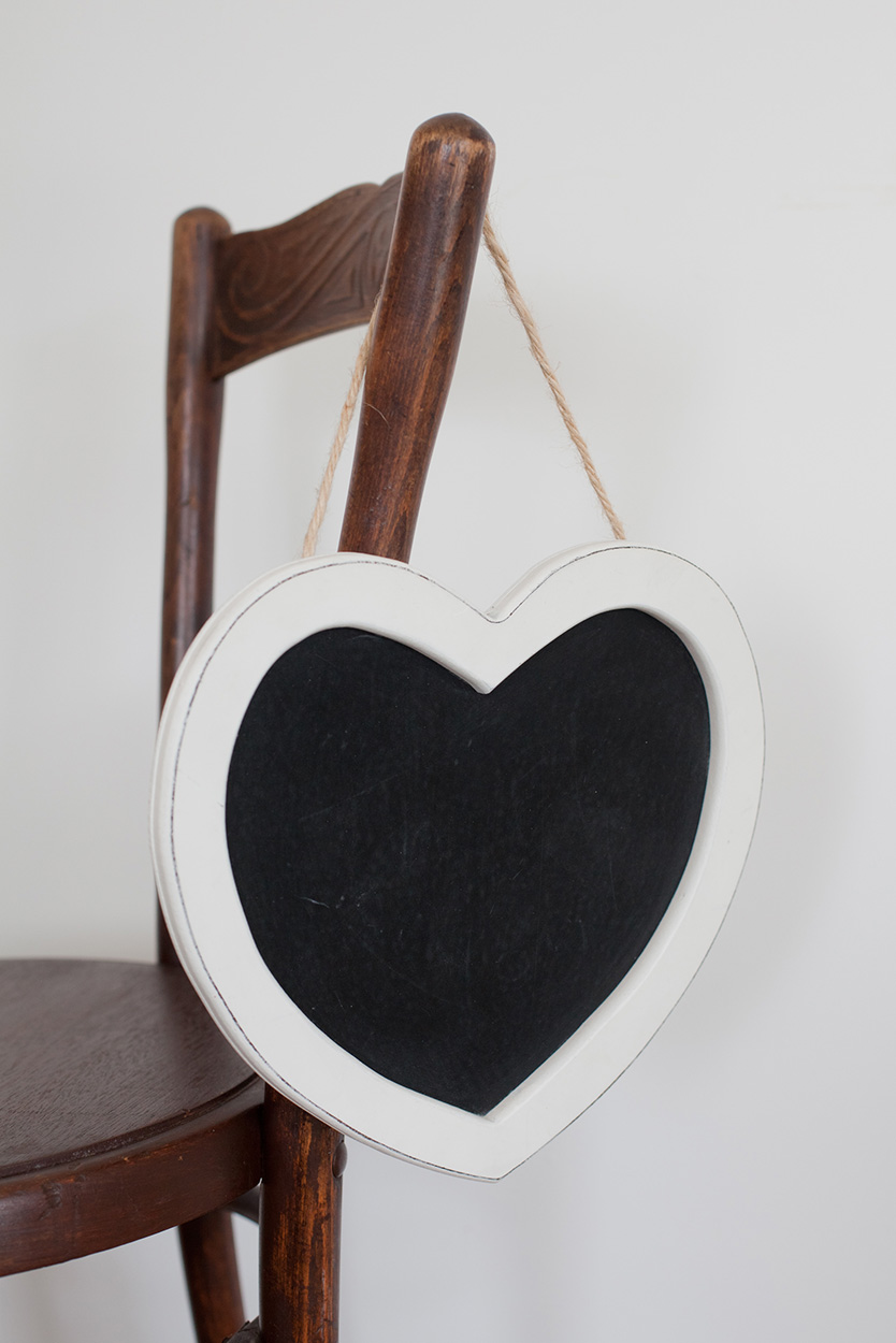 Heart Blackboard - White
