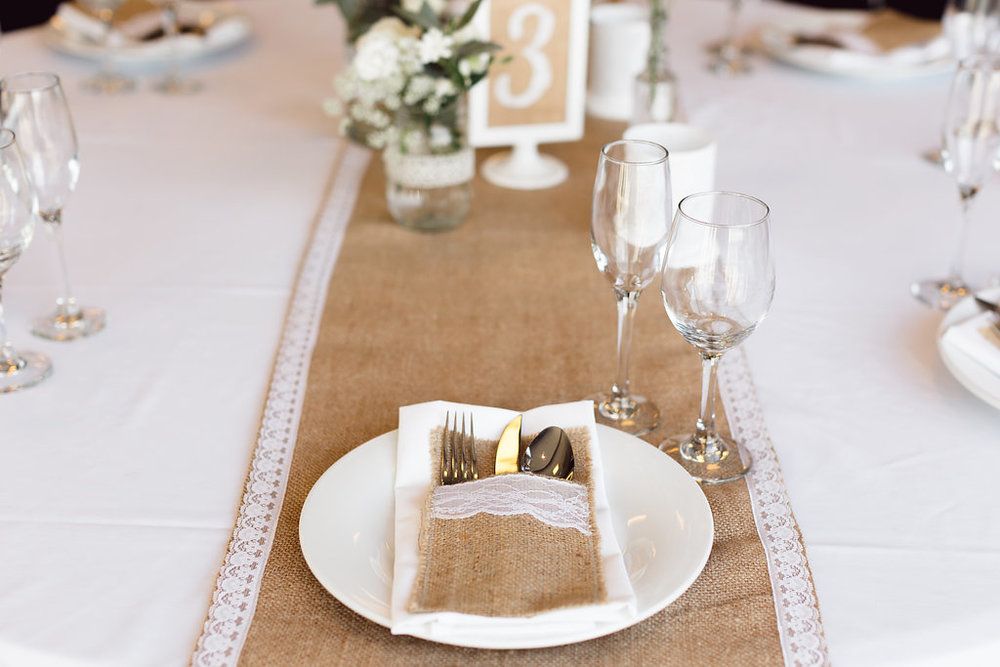 Hessian & Lace Runner