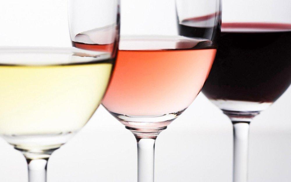 WIJNEN - Bartholomeus beschikt eveneens over een uitgelezen assortiment van verschillende kwaliteitswijnen.Laat u begeleiden bij uw keuze in de zaak.