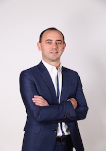 Philippe ARCHAMBAULT    Senior Vice-President   L'OREAL LUXE JAPON