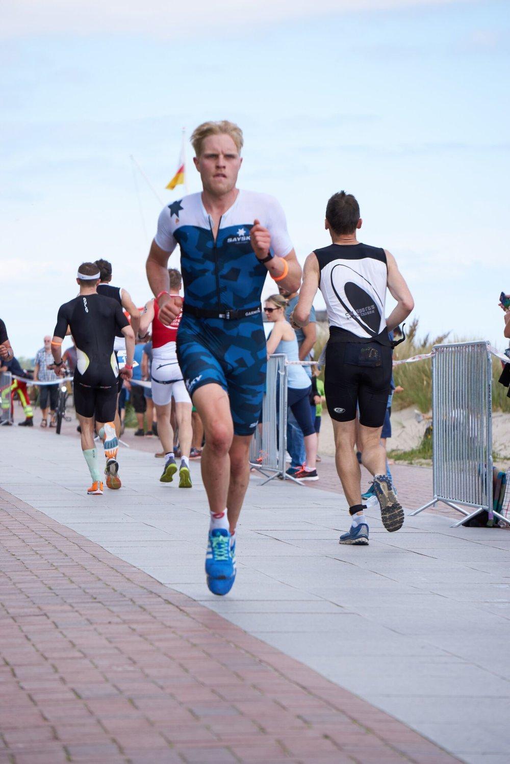 Philipp Herber:  Challenge Almere Sieger 2018, IM Hawaii sub 9h  Ironman Debüt 8:46h Vichy 2017 (6. Platz gesamt)  Deutscher Hochschulmeister Triathlon 2012