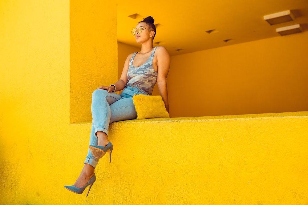 Carmen - designer, blogger, entrepreneur and mother of one.