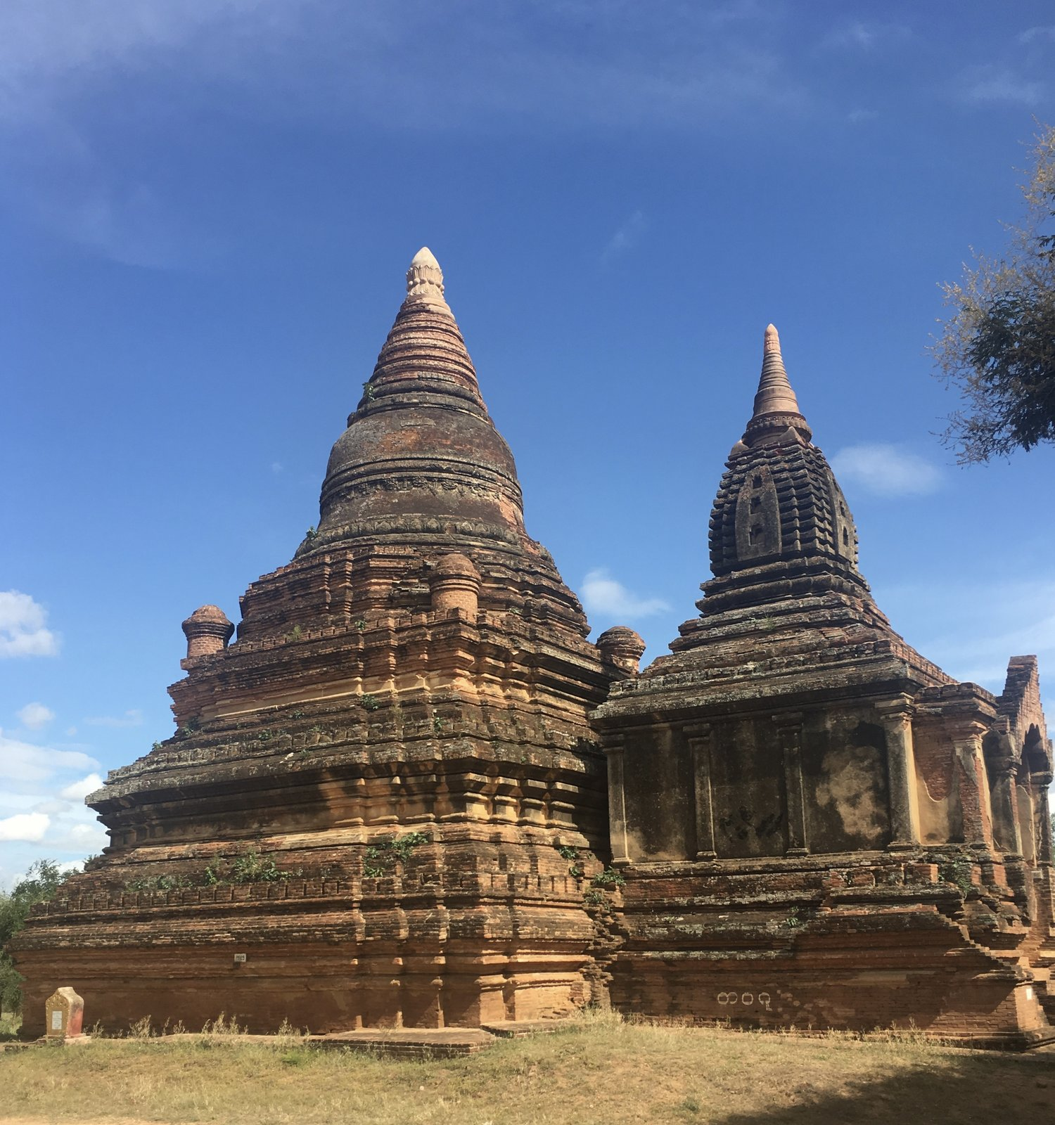 Bagan, Myanmar (Burma): The Mystical land of thousands of Pagodas, E-Biking, Mount Phousi and Stunning Sunsets