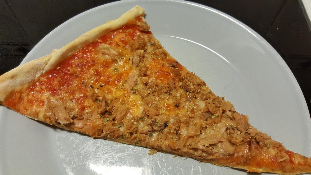 Tonnikalapizza, kukkahattuaiti.com.jpg