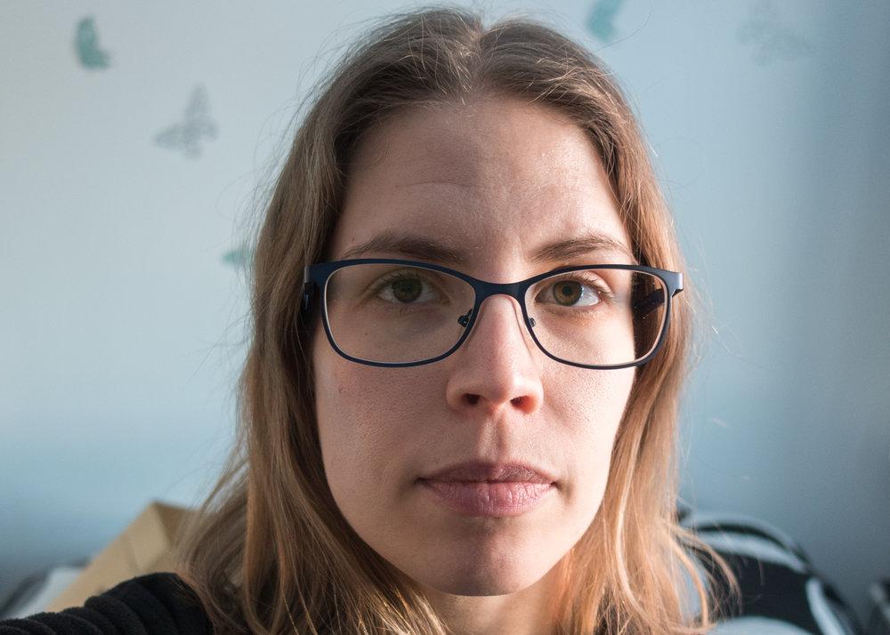 Syyllinen äitiII, kukkahattuaiti.com.jpg