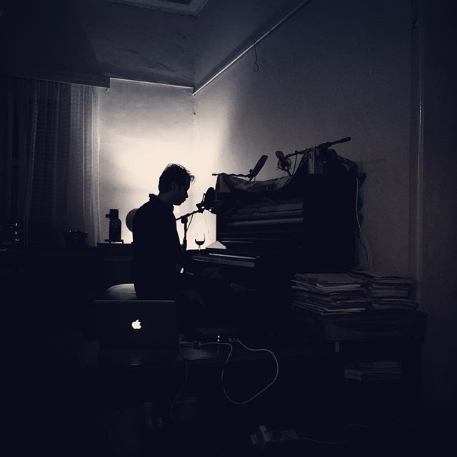 So I once again took up residence in the country with the intention of continuing work on instrumental pieces and ended up recording a series of solo piano + voice covers of songs by #beck #billybragg #nickcaveandthebadseeds and #radiohead instead – now available to listen to for a limited time – link in bio. #lieder #pianoandvoice #pianoandamicrophone