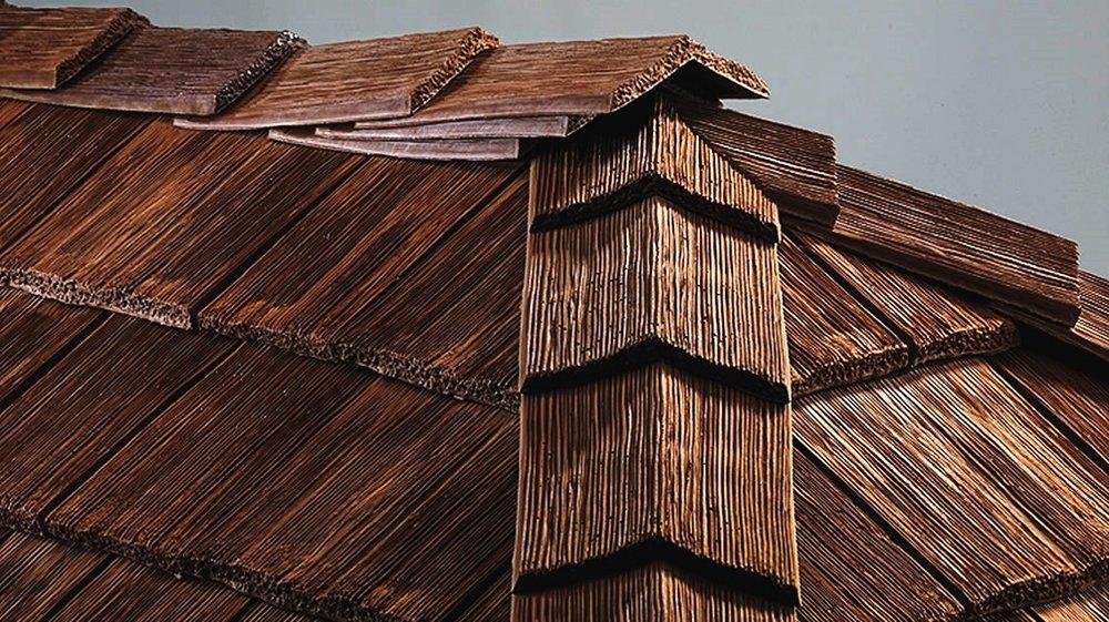 CeDUR roofing shakes - ridge.jpg