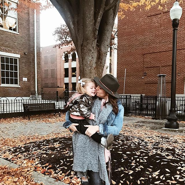 Nashville in the fall is magical 🍂 recording @basicallybasicpodcast episodes this week and super thankful to have this little girly girl tag along 🧡