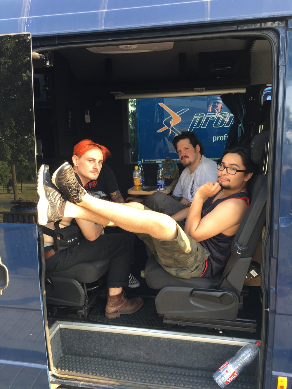 Cayle, Colin and Gabe (our merch guy/professional photographer) relaxing in the first van that we had, moments after it broke down 1 hour into our drive to the first show. 😂🤣😂