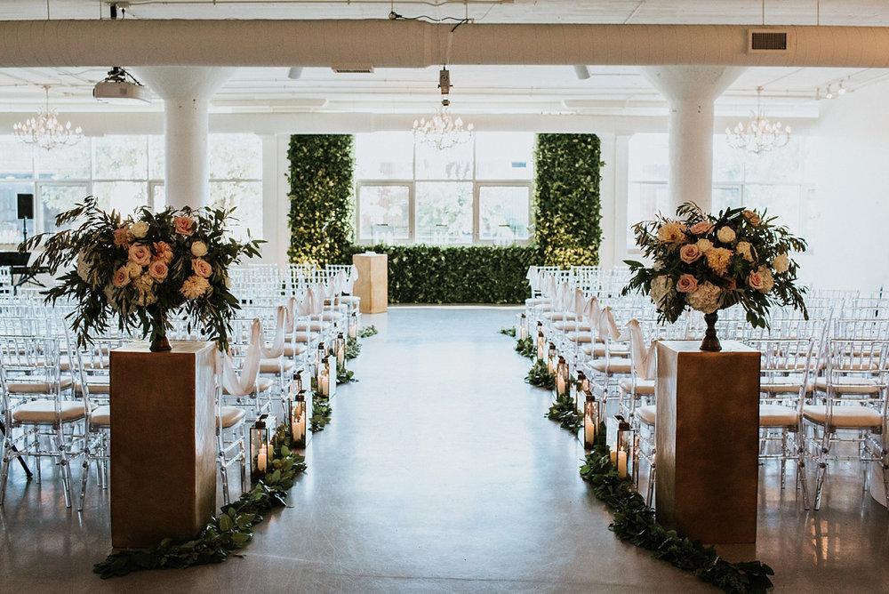 2_weddings-at-room-1520-chicago-047.jpg