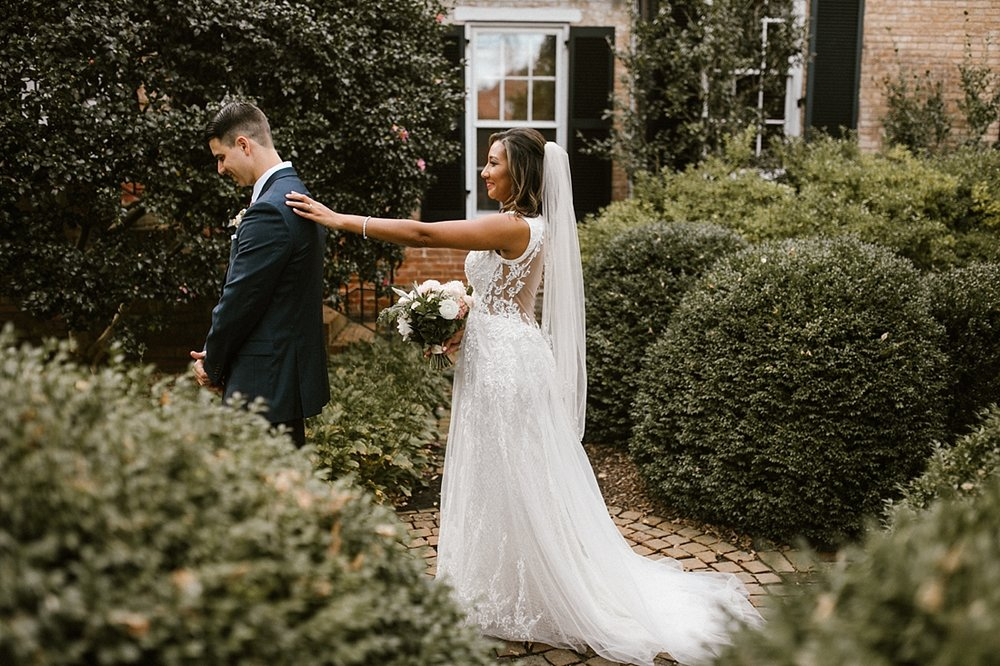 Marryland Weddings Romantic Secret Garden Wedding TIdewater Inn Victoria Selman Photography_0898.jpg