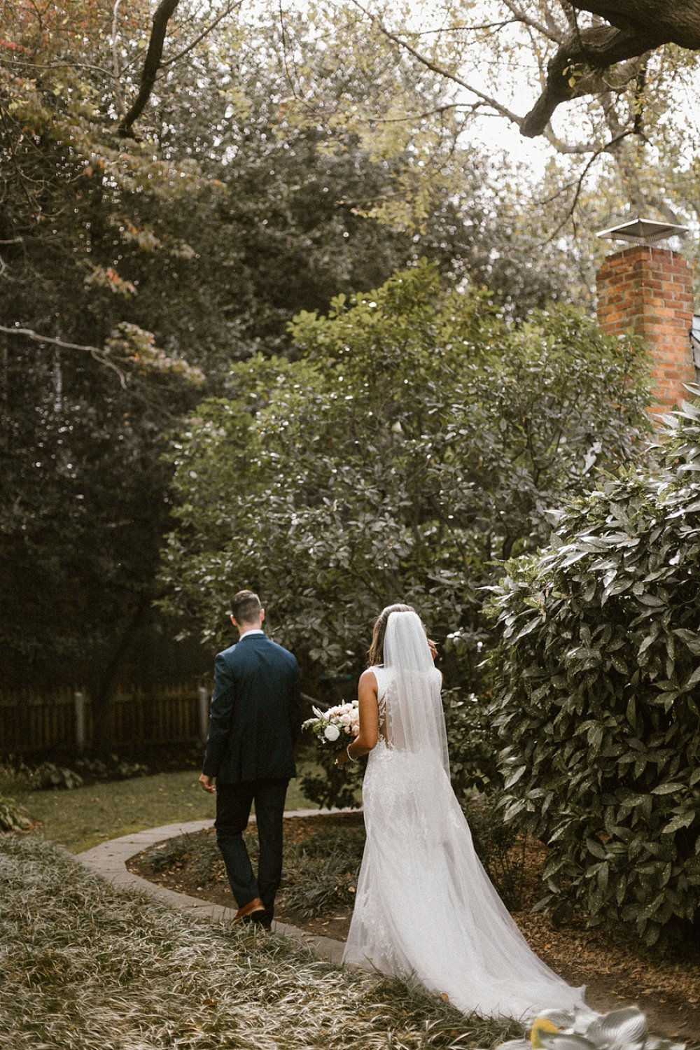 Marryland Weddings Romantic Secret Garden Wedding TIdewater Inn Victoria Selman Photography_0905.jpg
