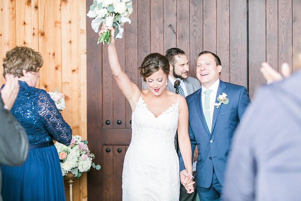 Marryland Weddings Mint and Navy Chateua Bu-De Bohemia Manor Farm Wedding Brittany Thomas Photography_1068.jpg