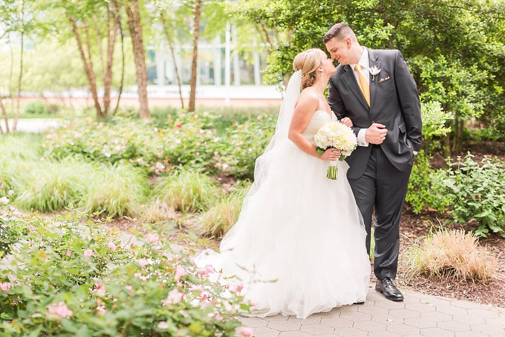 Marryland Weddings Downtown Baltimore Royal Sonesta Wedding Heather Chipps Photography_1088.jpg