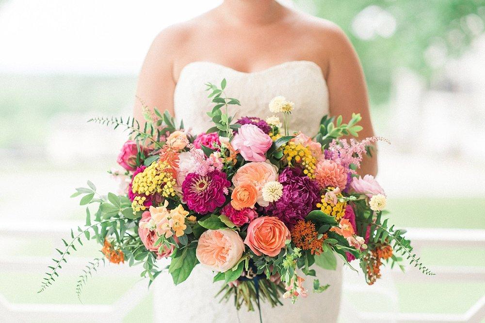 Springfield Manor Winery Thumont MD Kate Spade Wedding Navy Gold Marryland Weddings_1345.jpg