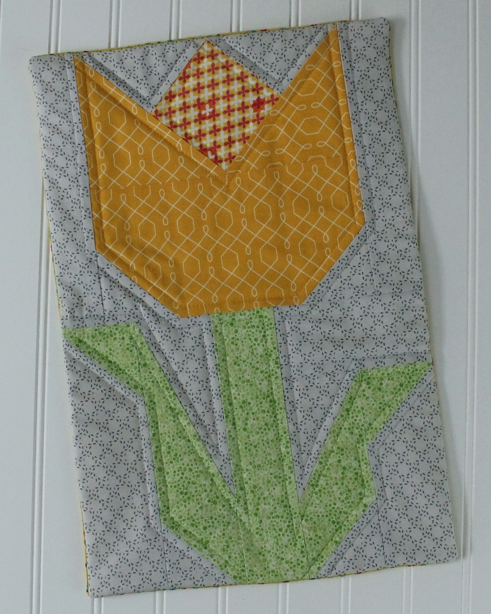 tulip quilt block pillow.jpg