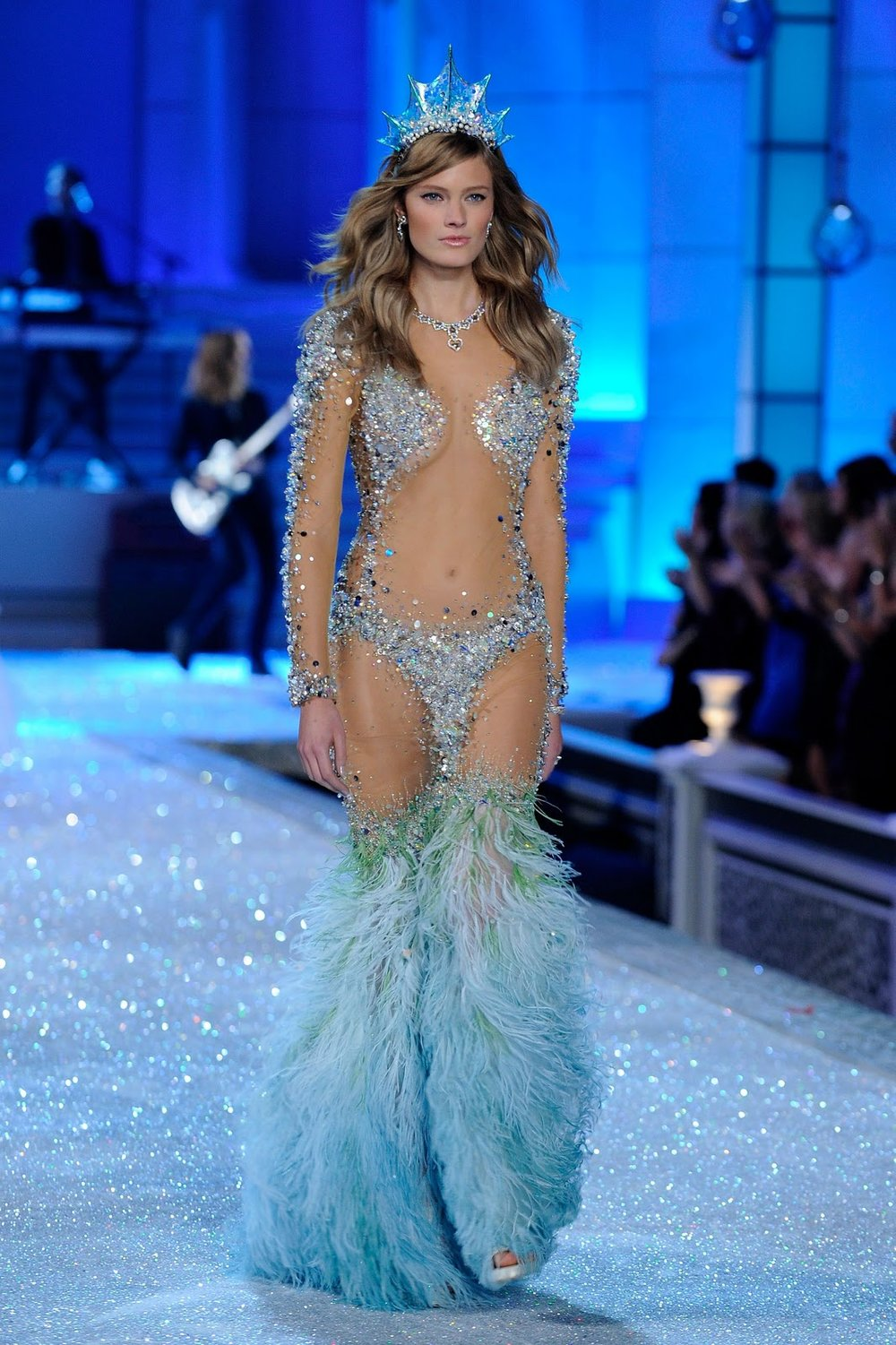 2011-Victorias-Secret-Fashion-Show_2.jpg