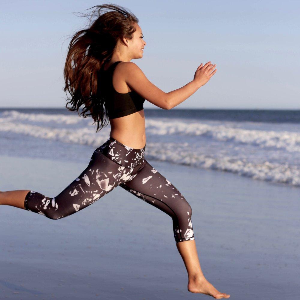 Audacia_London_Jordyn_Printed_Capri_Gym_Yoga_Sports_active_Leggings.jpg