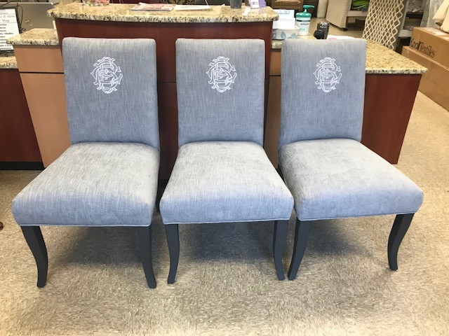 Thanksgiving is around the corner.....Call us to get your Dining Chairs updated before your family and friends come for dinner!! #atlantacustominteriors#customupholstery #custommonogram #updatedfabric #upholstery #lovemyjob #savingoldfurnitureandmakingitnew @byrnecoles @marshmallowdream_monogram