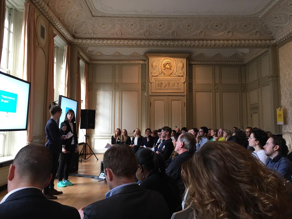 WDCD-Amsterdam2017-Presenting.png