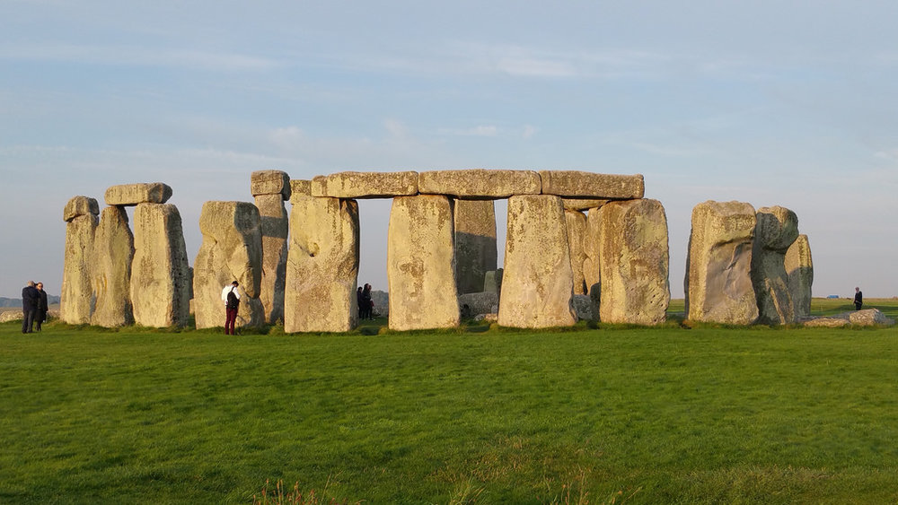 stonehengecircle.jpg