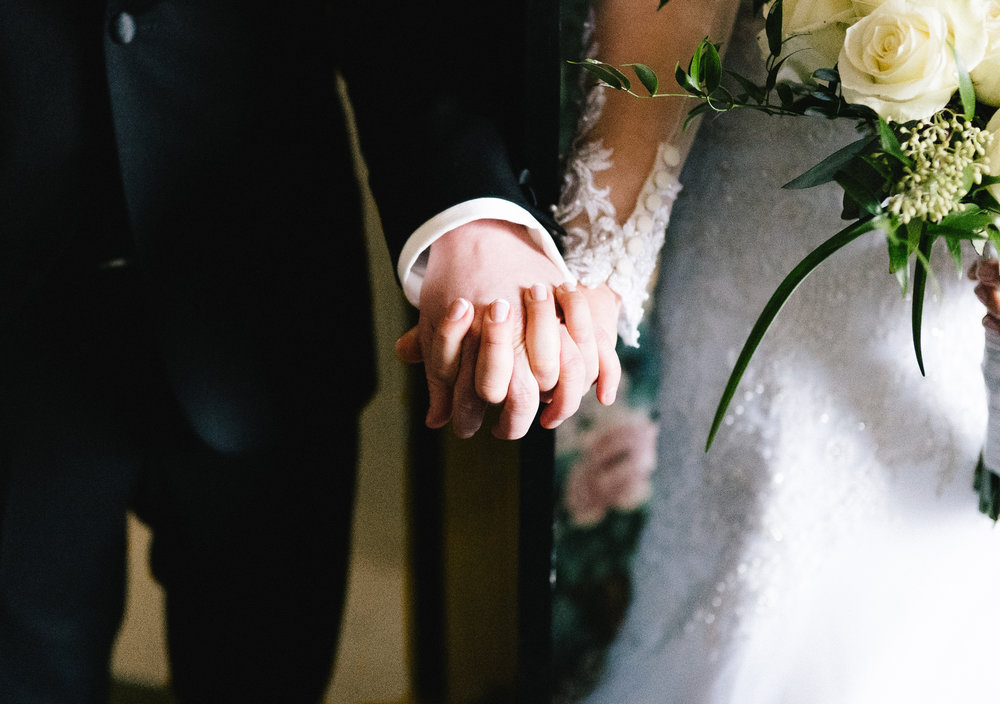 008-rempel-photography-chicago-wedding-inspiration-susan-daniel-michigan-metro-detroit-christian-church-holly-vault-cupcakes-and-kisses.jpg