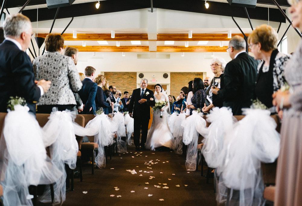 012-rempel-photography-chicago-wedding-inspiration-susan-daniel-michigan-metro-detroit-christian-church-holly-vault-cupcakes-and-kisses.jpg