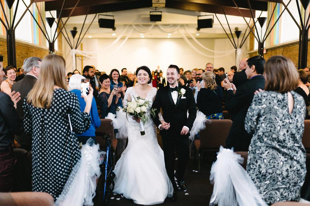 017-rempel-photography-chicago-wedding-inspiration-susan-daniel-michigan-metro-detroit-christian-church-holly-vault-cupcakes-and-kisses.jpg