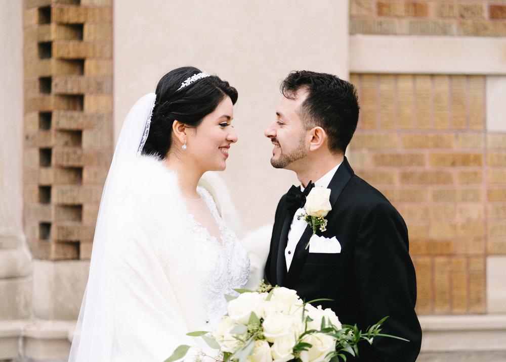 022-rempel-photography-chicago-wedding-inspiration-susan-daniel-michigan-metro-detroit-christian-church-holly-vault-cupcakes-and-kisses.jpg
