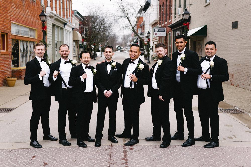 032-rempel-photography-chicago-wedding-inspiration-susan-daniel-michigan-metro-detroit-christian-church-holly-vault-cupcakes-and-kisses.jpg