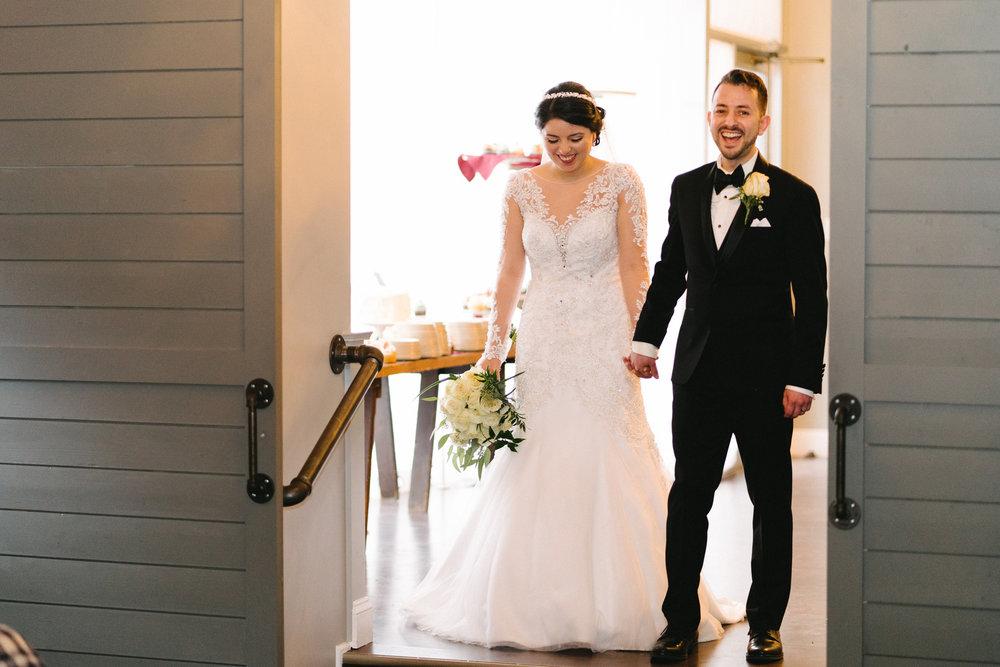 039-rempel-photography-chicago-wedding-inspiration-susan-daniel-michigan-metro-detroit-christian-church-holly-vault-cupcakes-and-kisses.jpg