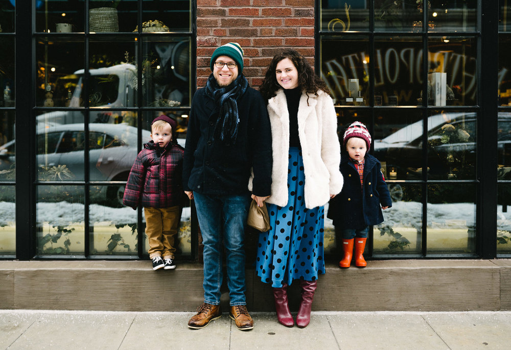 020-rempel-photography-chicago-wedding-inspiration-west-loop-fulton-market-family-session-glaze-ace-hotel-dorite-donuts-downtown.jpg