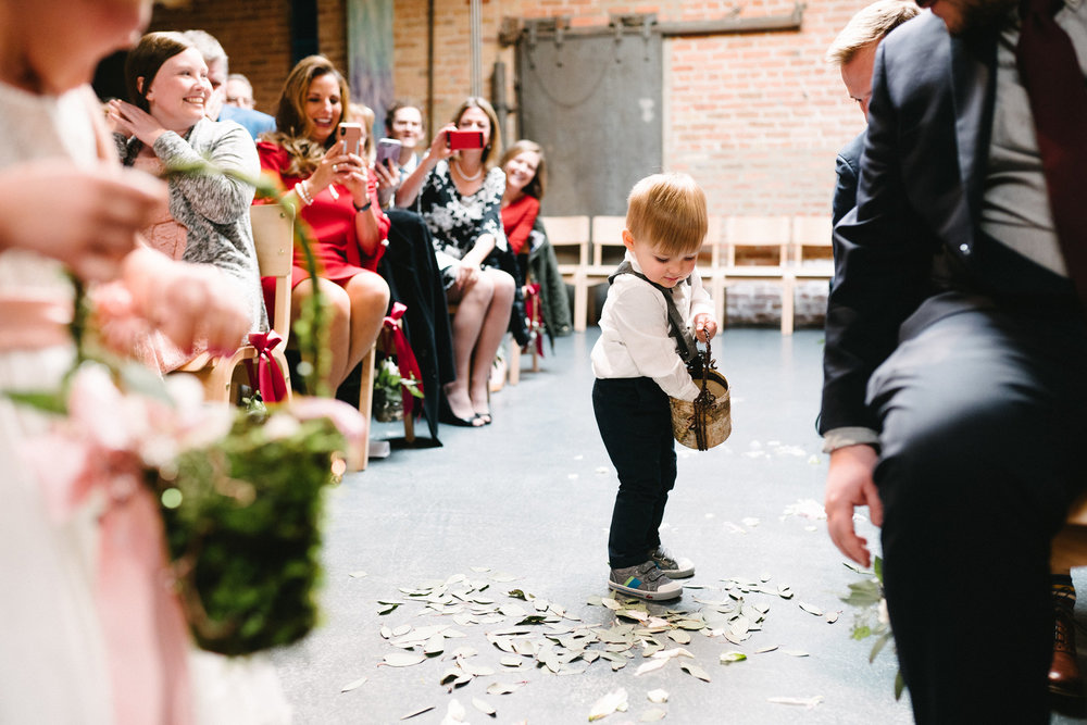 016-rempel-photography-chicago-wedding-inspiration-meredith-will-garfield-park-conservatory-painted-door-menguin-here-comes-the-bride-lulus-marcellos.jpg